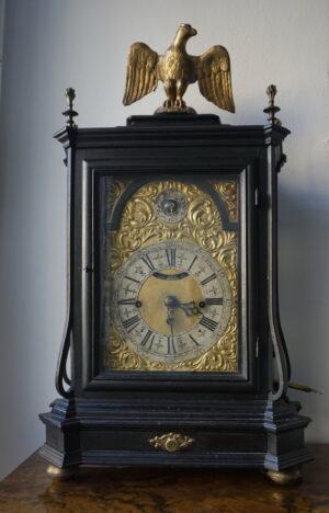 Ure in dekorativni predmeti